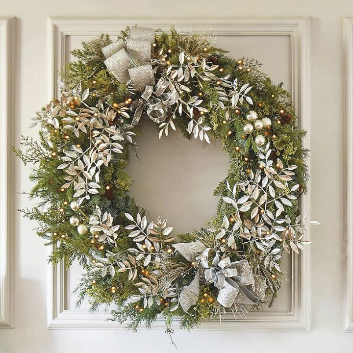 wreathfrontgate